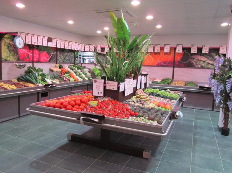 présentoir table centrale fruits et légumes. gamme aeria