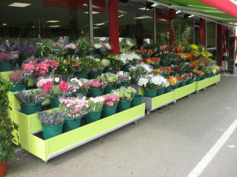 meuble fleuriste: presentoir seaux lineaire 4 niveaux