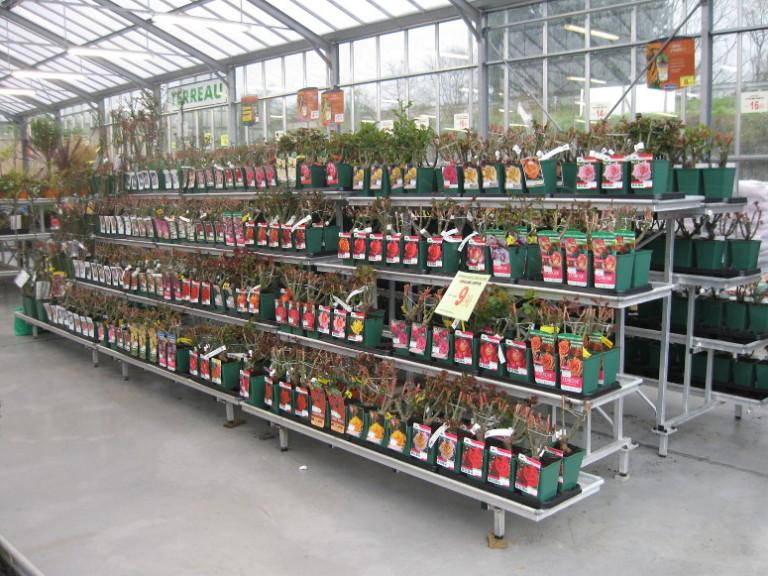 marché aux fleurs - présentoirs gouttières étanches