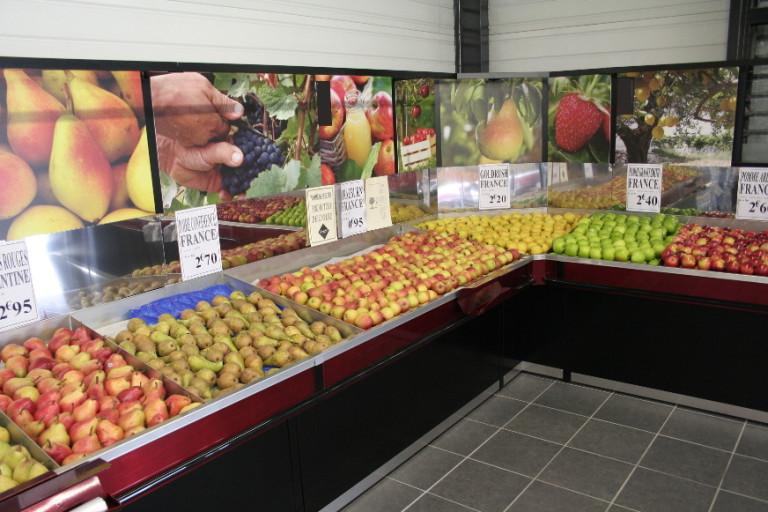présentoir table murale fruits et légumes. avec fond visuel