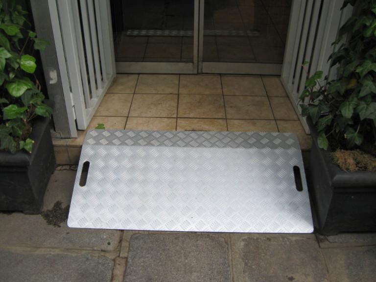 Passage de marche aluminium avec poignées