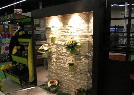 Fleuristerie - mur pierre