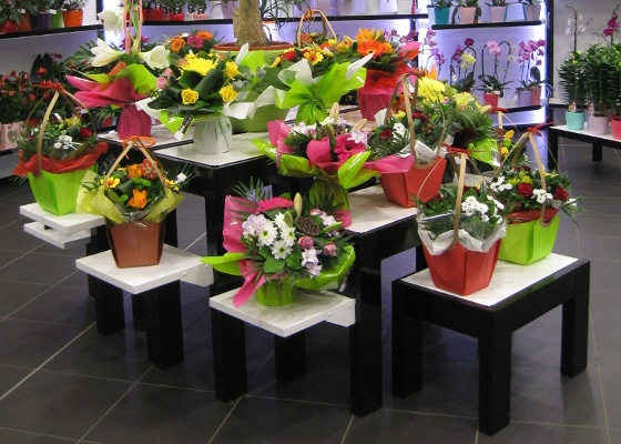 Fleuristerie - sellettes et gigognes