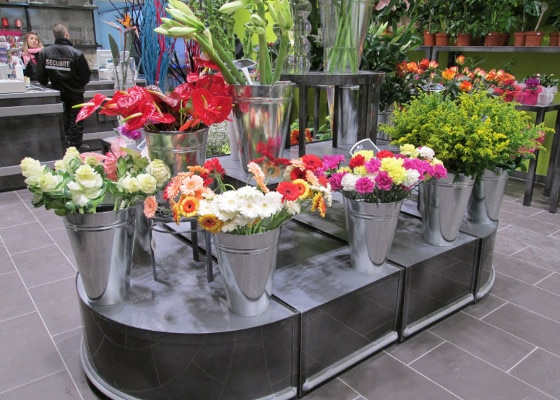 Fleuristerie - podium carrés et demi ronds