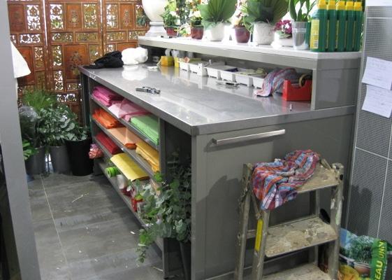 Fleuristerie - table de travail et confection